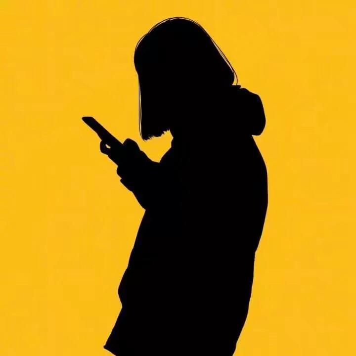 微信头像喜羊羊_简约风格黄色背景黑色影子男女头像_卡通头像-QQKW个性网